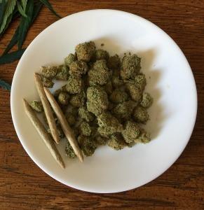 cannabis-1418333_1920