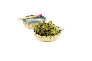 Marijuana Bud in Beer Caps